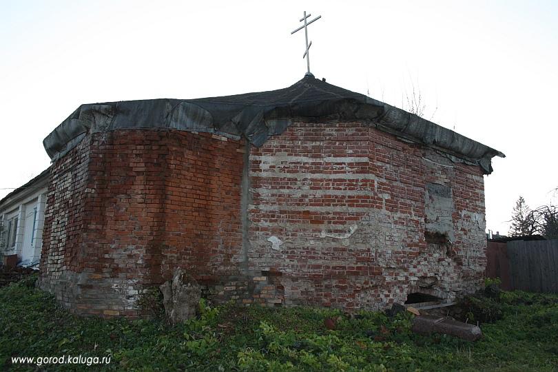 На этом месте сейчас строится новая церковь