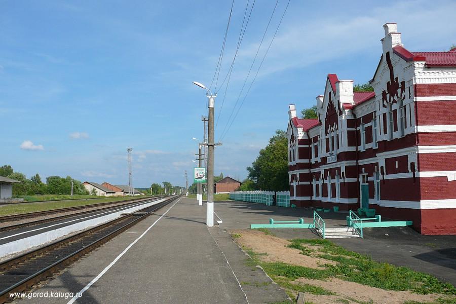 Памятник из цветного гранита Спас-Деменск Мемориальный одиночный комплекс из двух видов гранитов Мураши